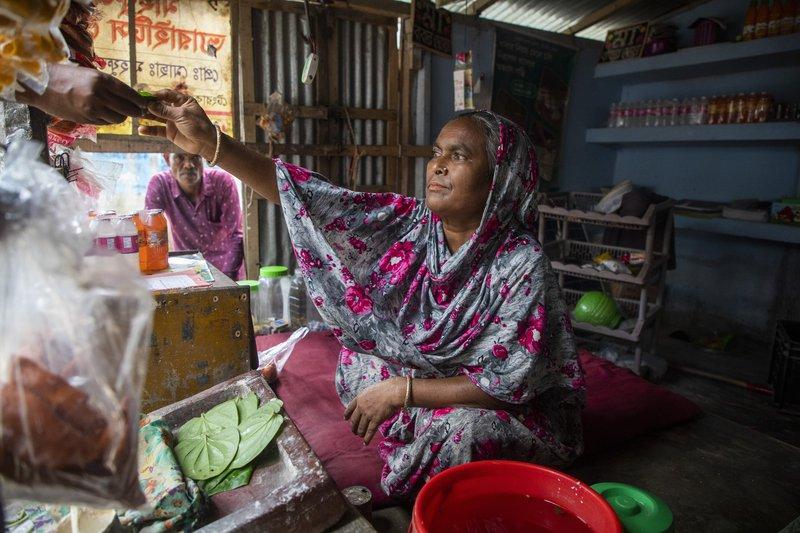 Mahfuza, a member of the East Tengrakandi food bank.