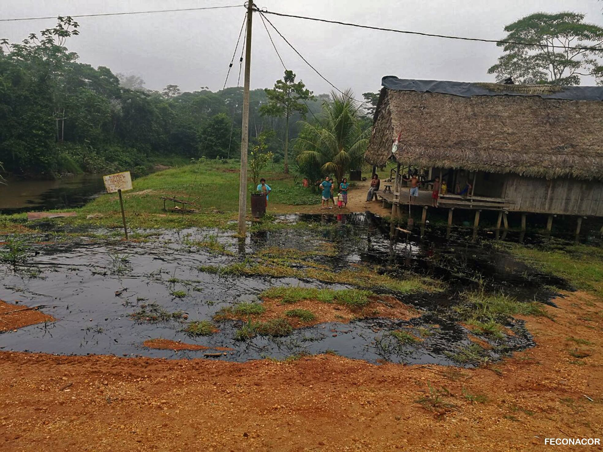 The improper maintenance of an oil pipeline inside Block 192 caused an oil spill in February 2018 in the Achuar community of Nueva Nazareth inside the Corrientes river basin.