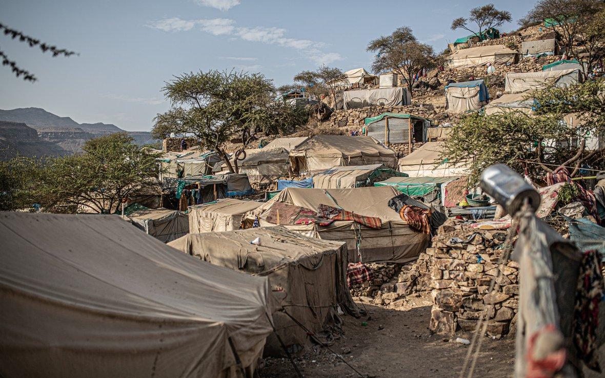 Yemen_IDPcamp_43953lpr.jpg