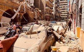 Beirut_blast_damage_street_AP_20218360996651.jpg