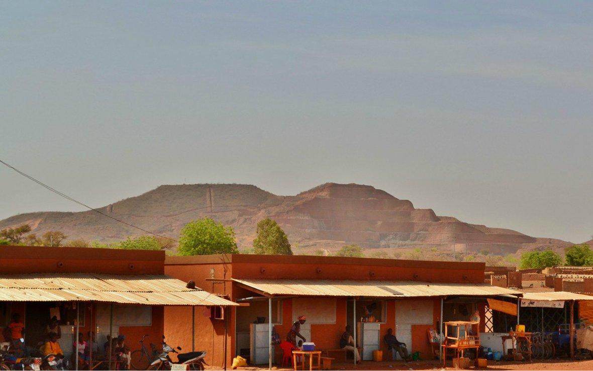 Amara-Mining-from-Tapre-Burkina-Faso-oxfam.jpg