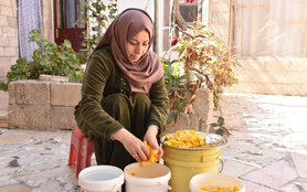Syria_food_woman4054.JPG