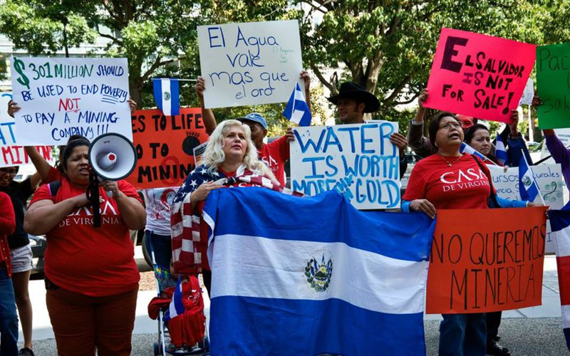 El-Salvador-mining-protest-oxfam.jpg