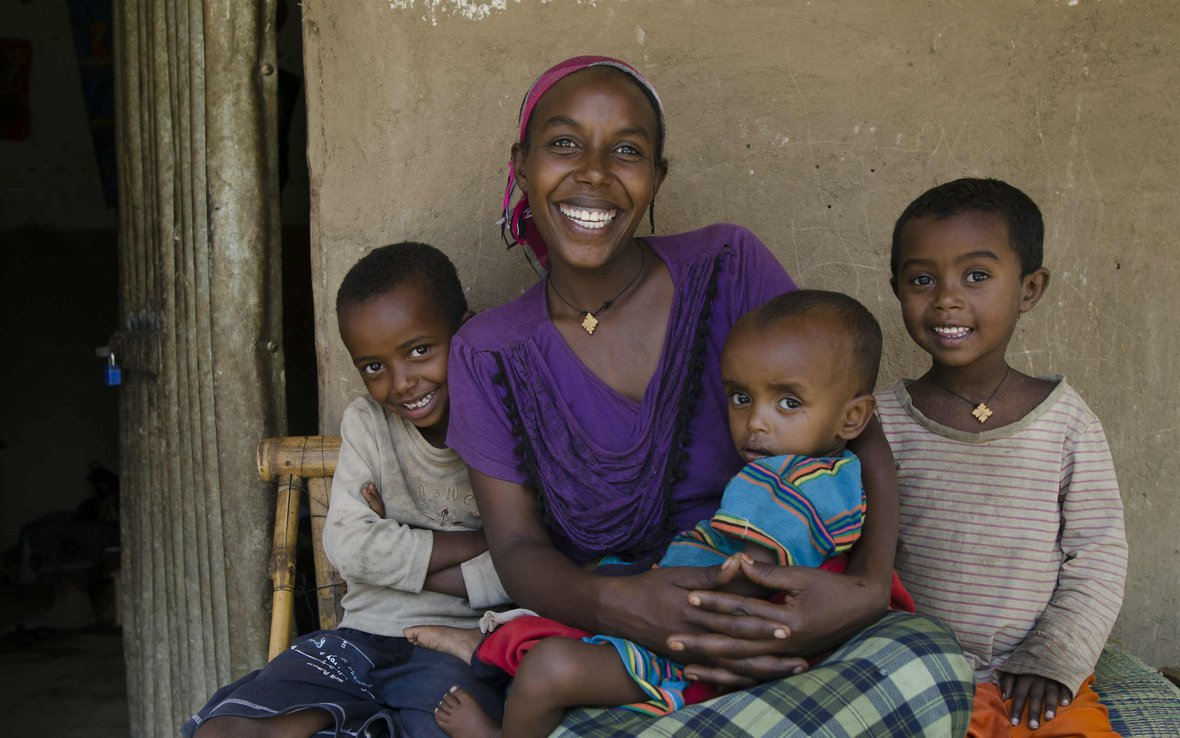 Ethiopia-Mother-and-Children-OUS_48971_Jansson2013.jpg