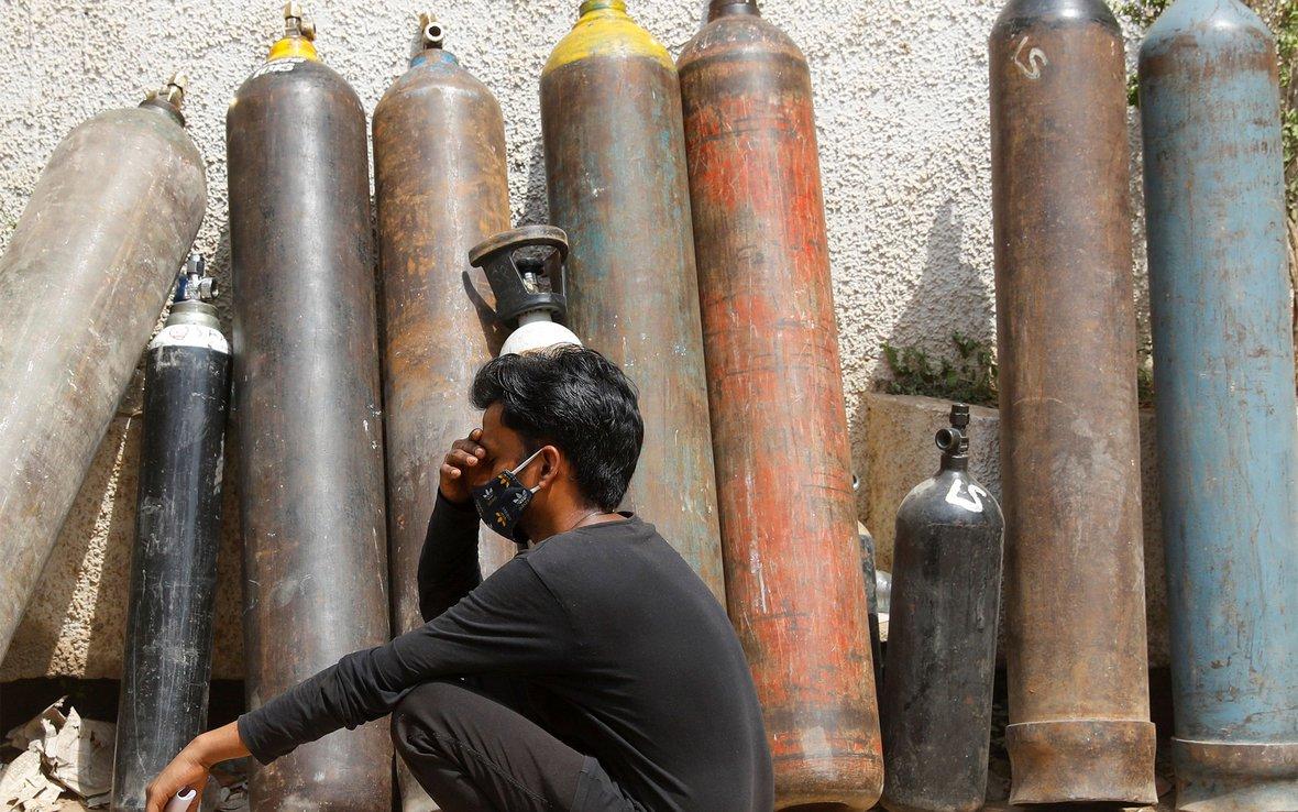 India-oxygen-OGB_122772_RTXBUY2D.jpg