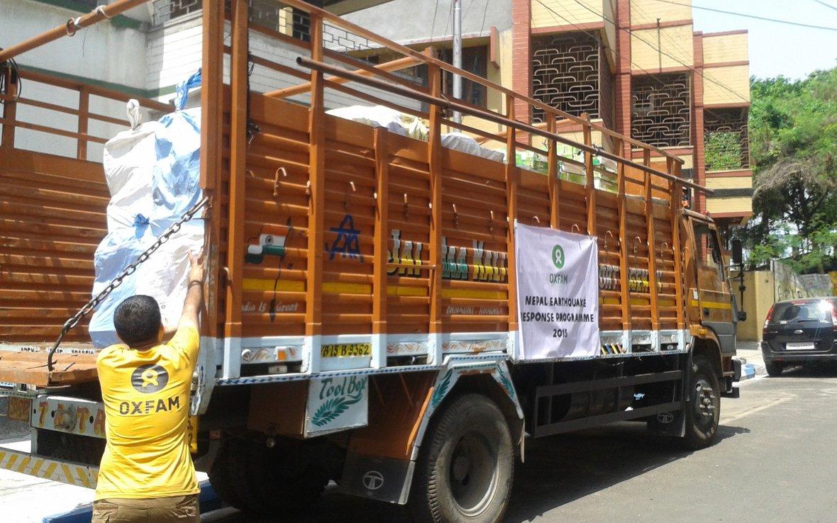 Nepal-earthquake-aid-truck-from-India-OGB92060.jpg