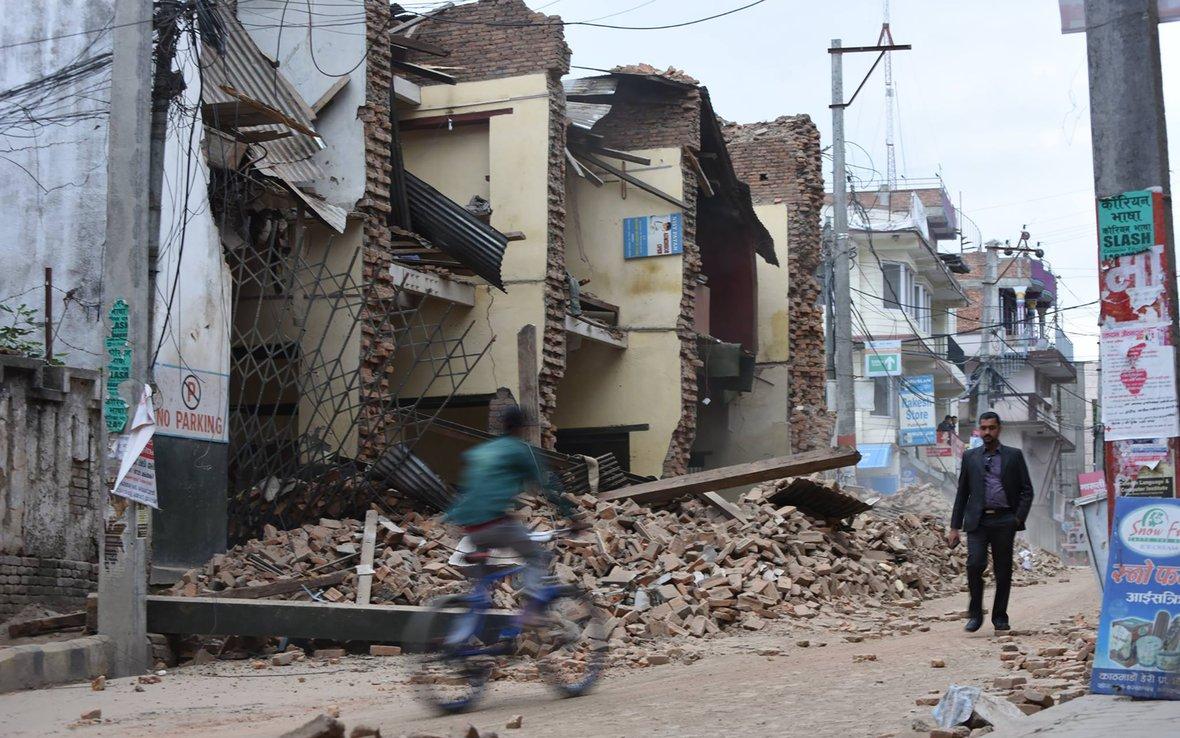 Nepal-earthquake-bike-Kathmandu-OGB_91790.jpg