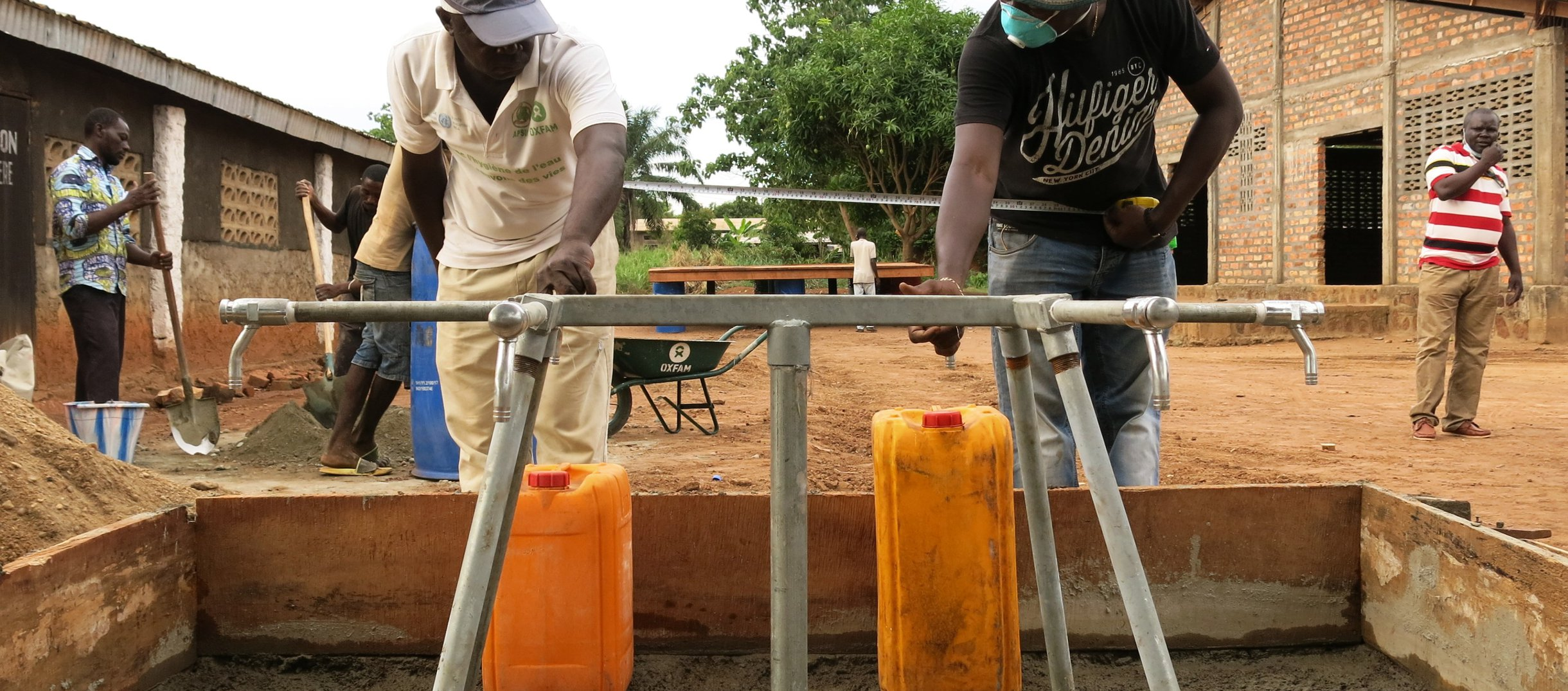 OGB_121327_Setting up water points, Central African Republic - Covid-19 response (1).jpg