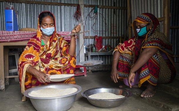 food bank women.JPG