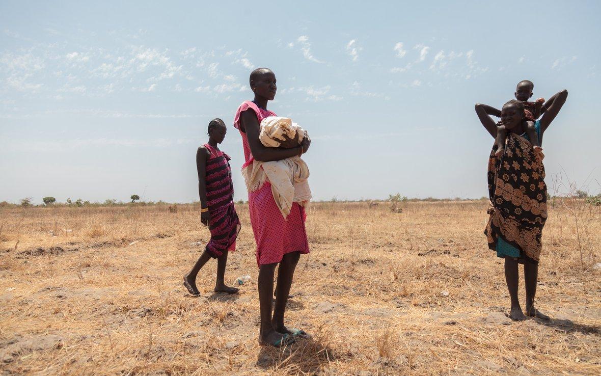 South_Sudan_walking.jpg