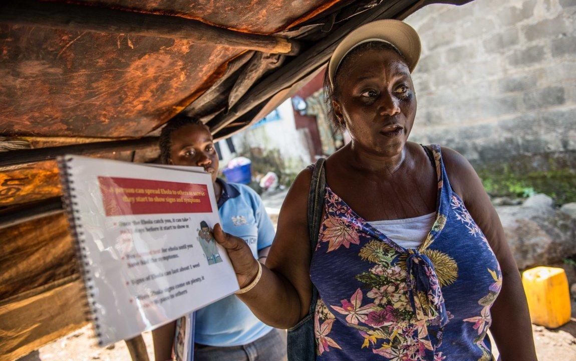 alima-health-worker-freetown-ebola-oxfam-89094 (FILEminimizer).jpg