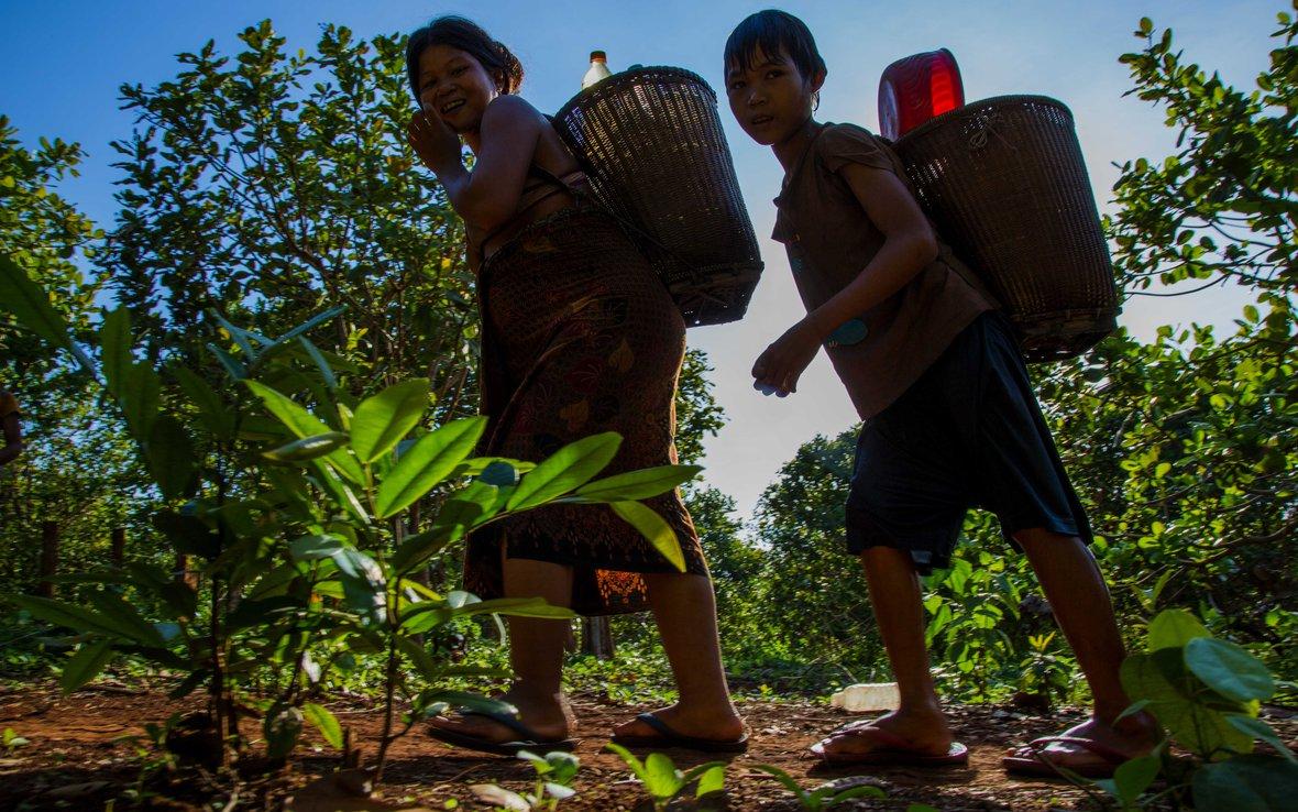 cambodia-farmers.jpg_web.jpg