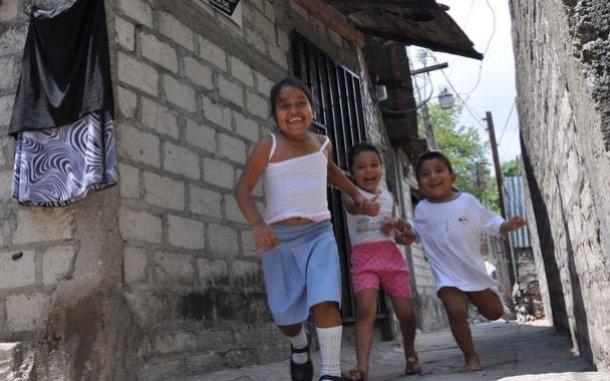 children-running-disaster-preparation-el-salvador-ous-33623_610x381.jpg