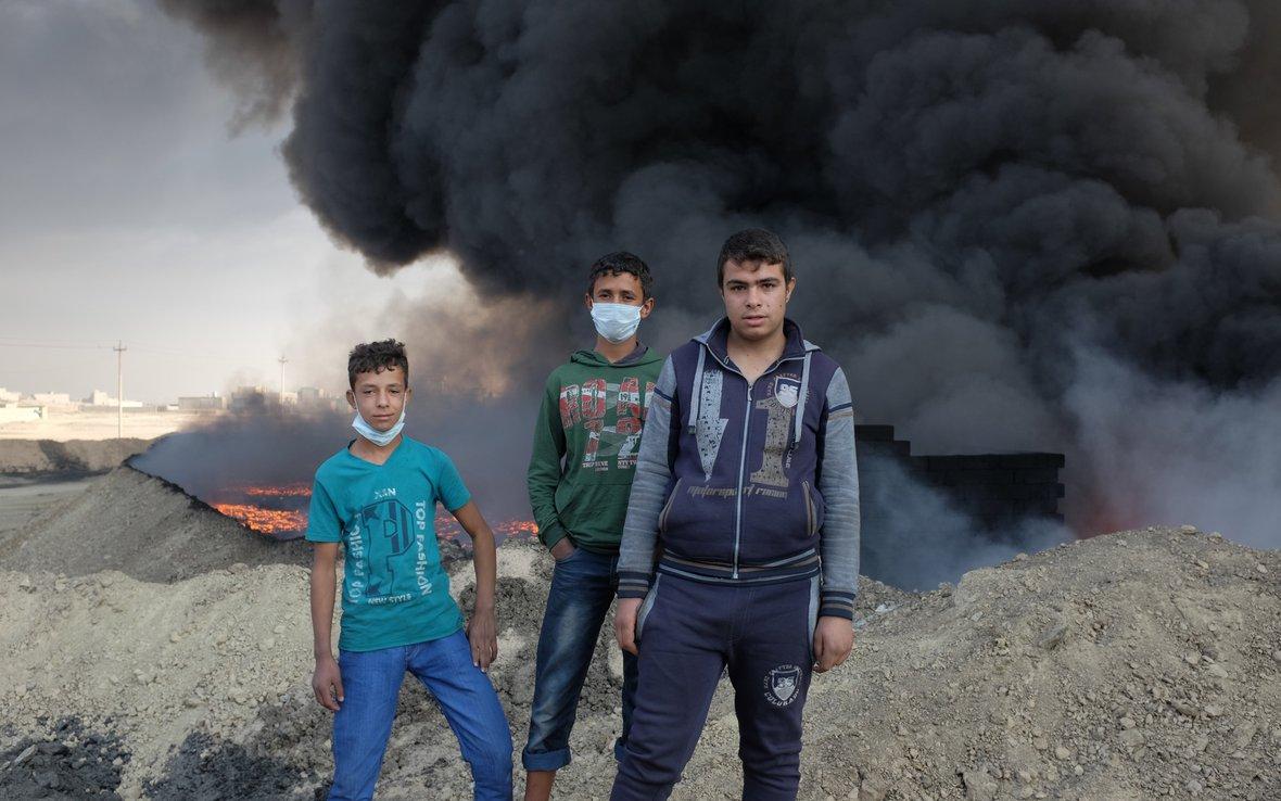 children_play_by_burning_oil_102736lpr.jpg