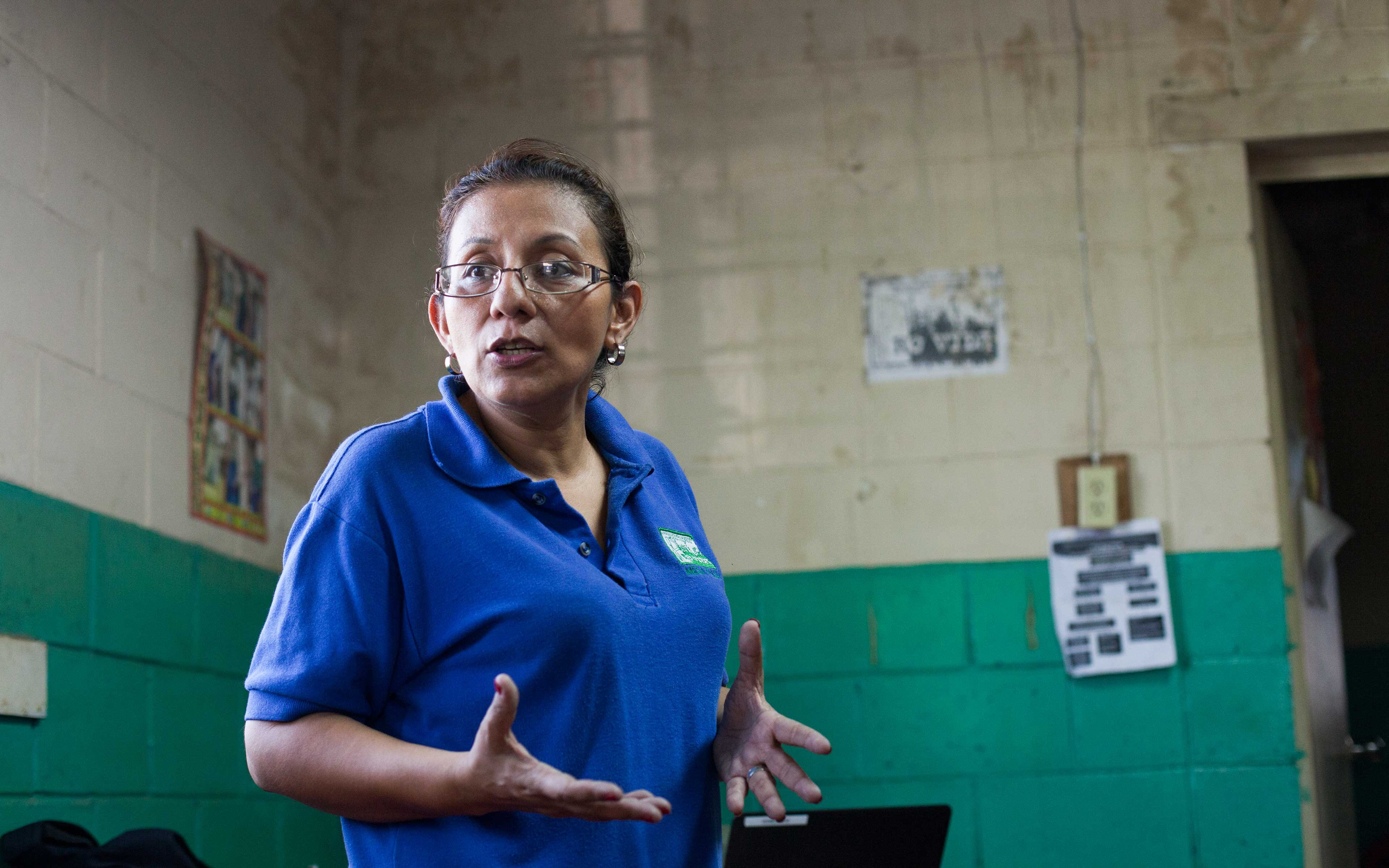 """Karen Ramírez discusses a food voucher program in a community affected by the El Niño drought. """"My vision is of communities organizing around their own well-being and electing responsible governments—and of those governments reducing disaster risks and helping communities become less vulnerable in every way,"""" she says."""