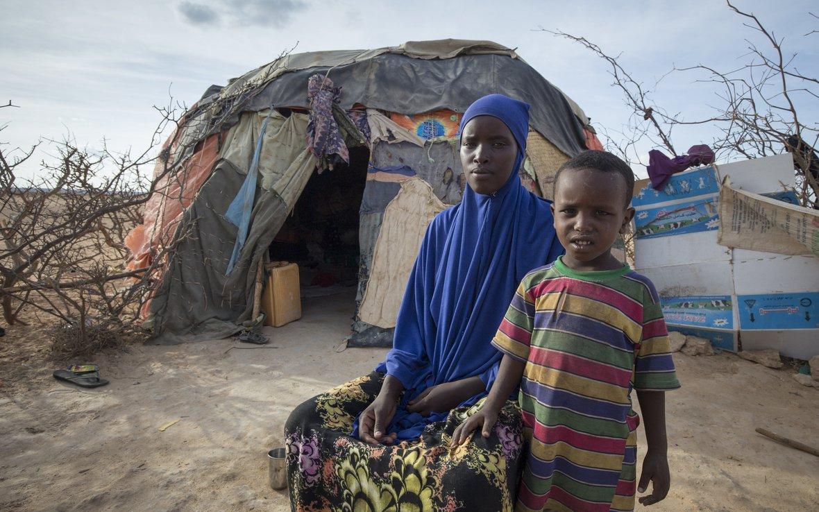 family-somaliland-hunger-105462lpr.jpg