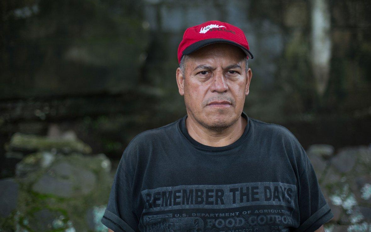 guatemala-man-portrait-1807_RodriguezJ_FuegoVolcano_Oxfam_08.jpg