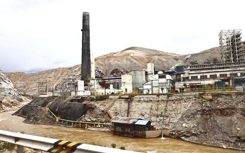 metal-smelter-Peru-2012