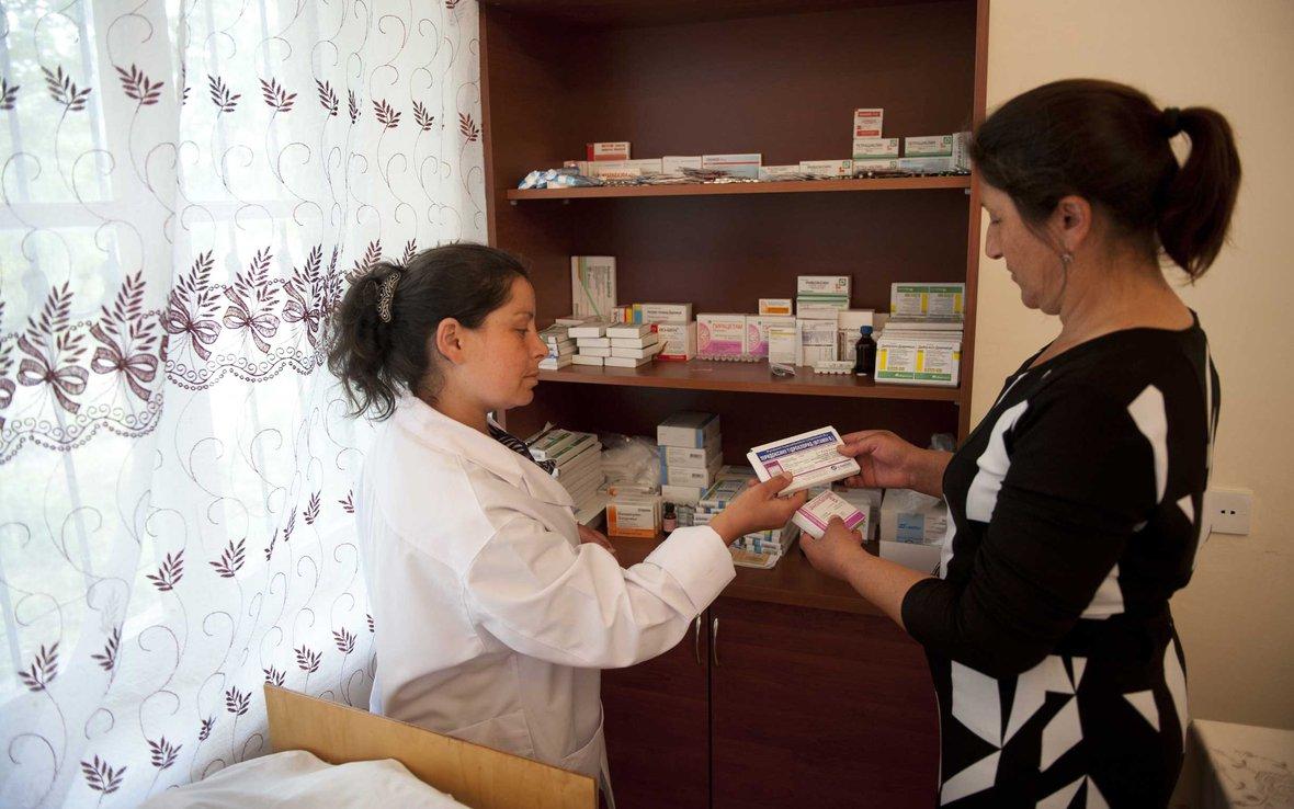 nurse-dispensing-medicines-azerbaijan-ogb-65712.jpg