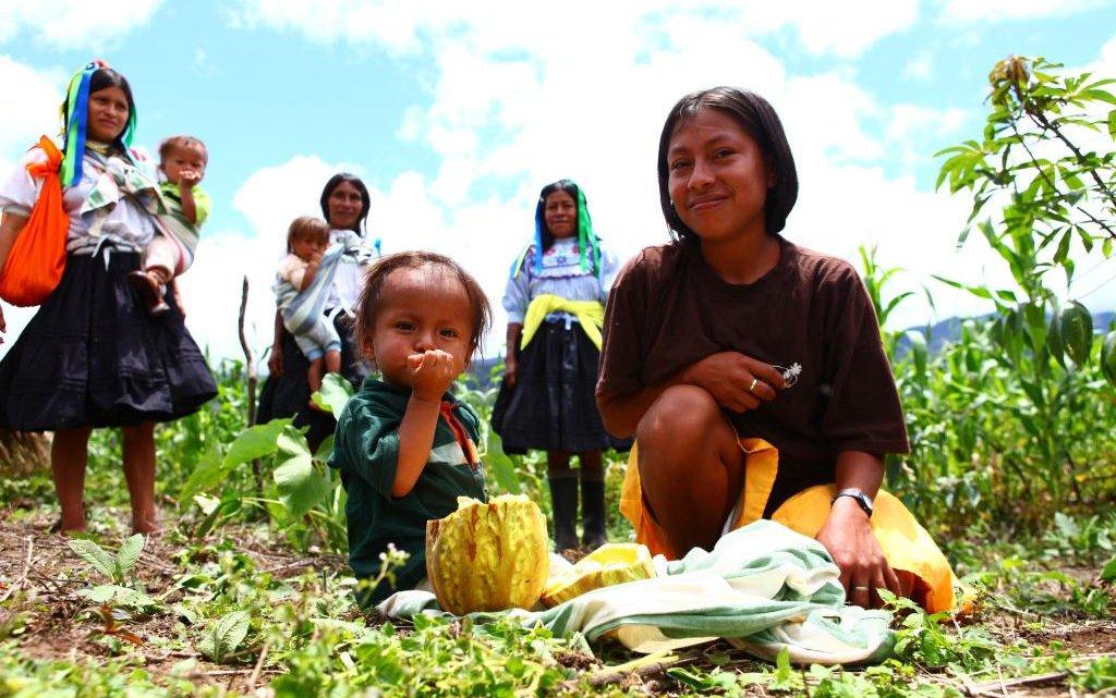 peru-traditional-gardens-women-group-5-16-12