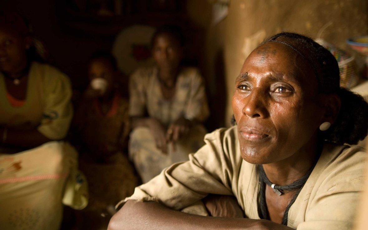 r4-ethiopia-woman-ous-25288.jpg