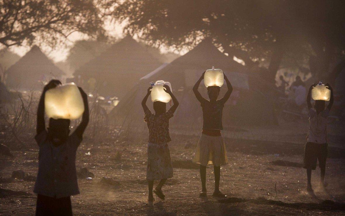 south-sudan-clean-water-oxfam-12046874976_4dffca21a0_o_-web.jpg