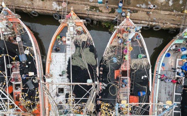 thailand-fishing-boats-wharf-ogb-110669-h.jpg