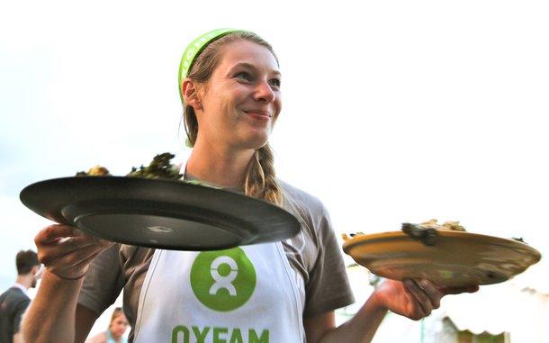 volunteer-bonnaroo-hunger-banquet-oxfam-america-OUS-49734-902.jpg