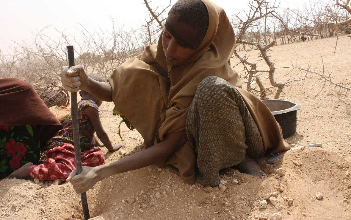 woman-drought-kenya-ogb-66427.jpg