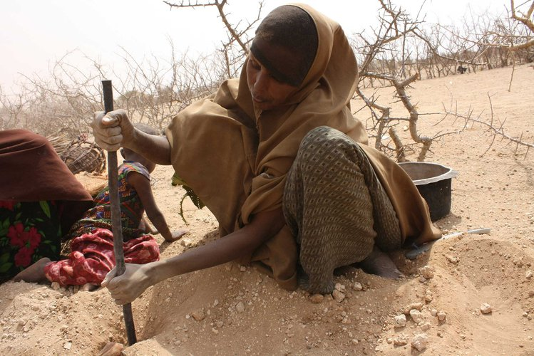 woman-drought-kenya-ogb-66427.jpg