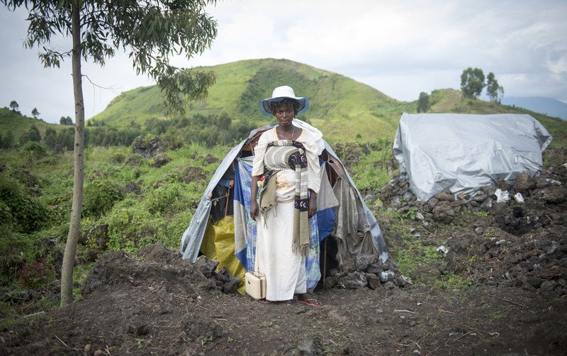 woman-in-front-of-tent-congo-20-november-2012