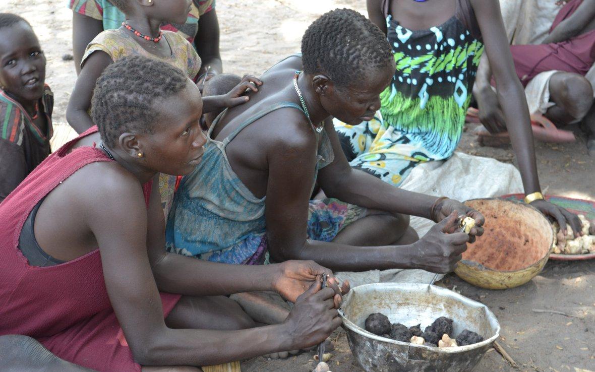 women-south-sudan-hunger-oxfam-105092lpr.jpg