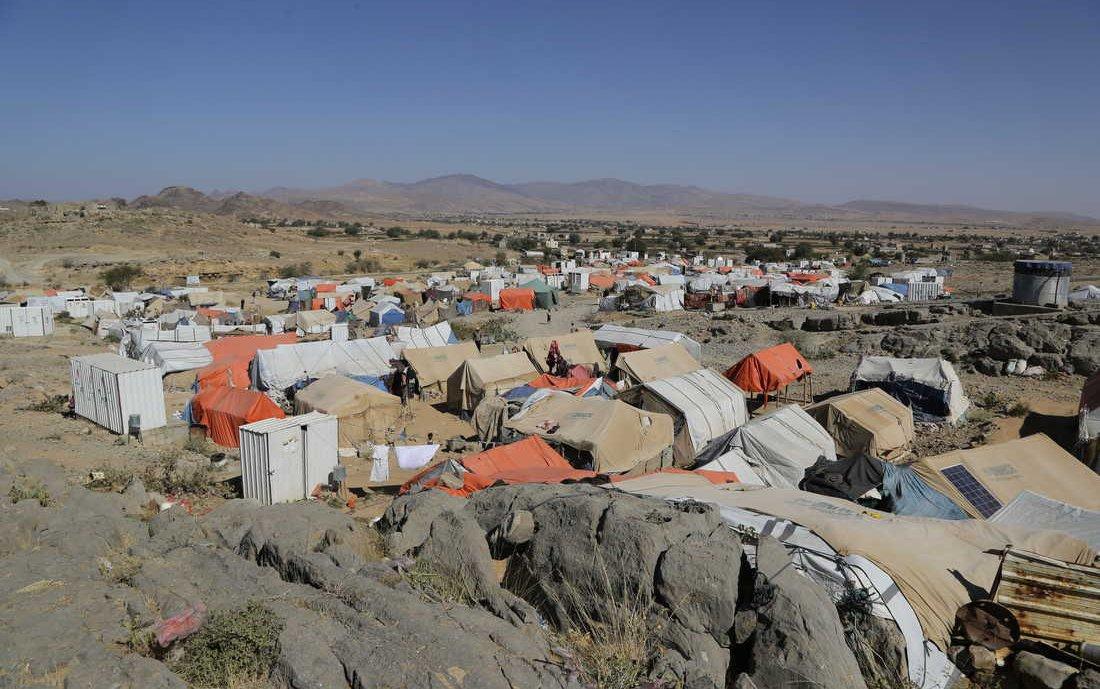 yemen-refugee-camp-water-oxfam_-web.jpg