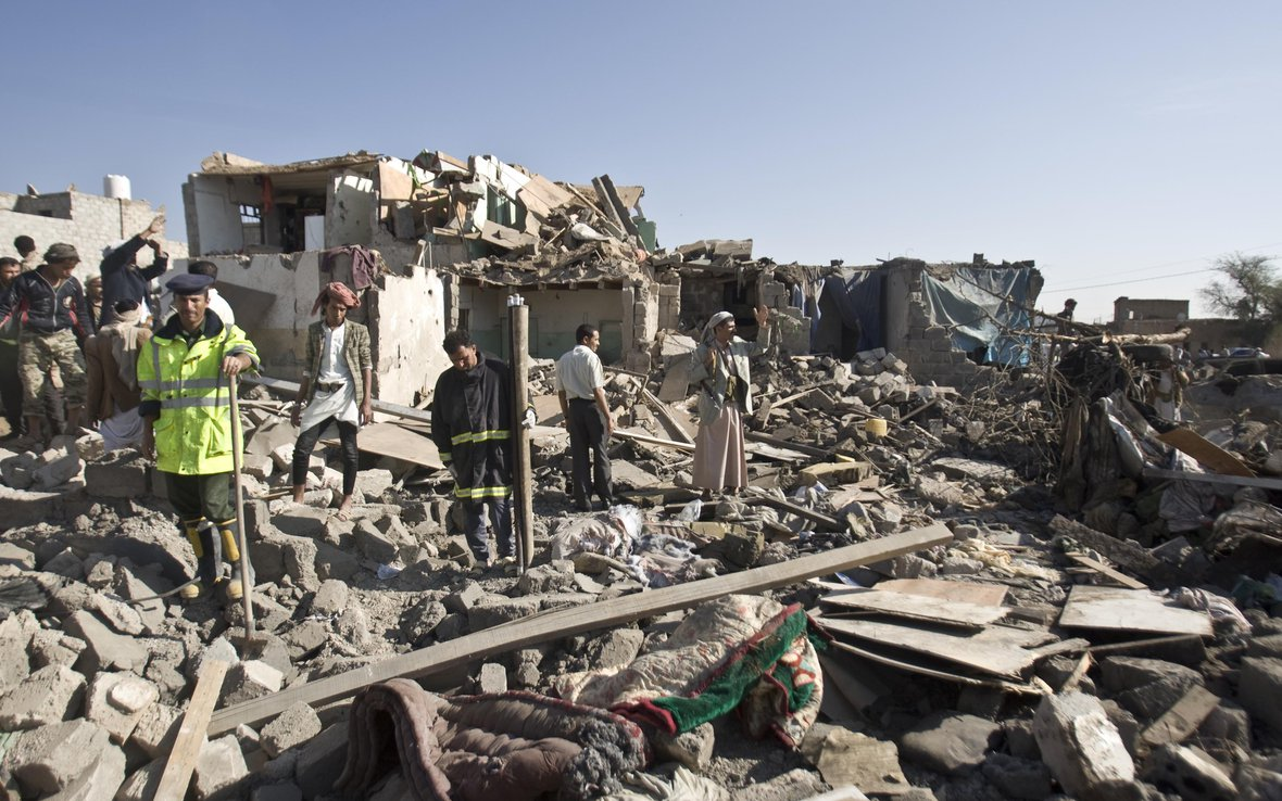 yemen-sanaa-airstrike-rubble-oxfam-91688.jpg
